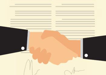 Czy trzeba tłumaczyć umowę dwujęzyczną?